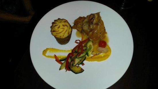 Aroma Mediterranean Resto Bar : Stuffed chicken breast