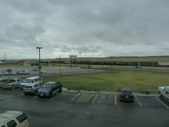 BEST WESTERN Shelby Inn & Suites: The view from the room toward the north.