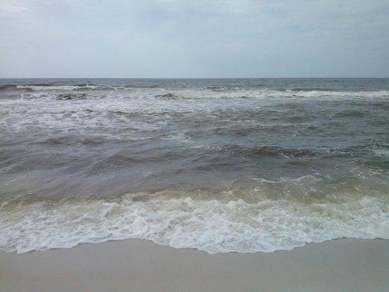 Days Inn Pensacola Beachfront: rain day
