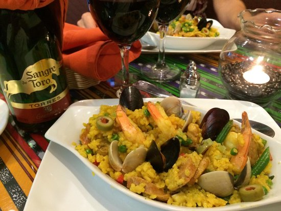 Senor Siesta: Paella and wine. Let's do this again!