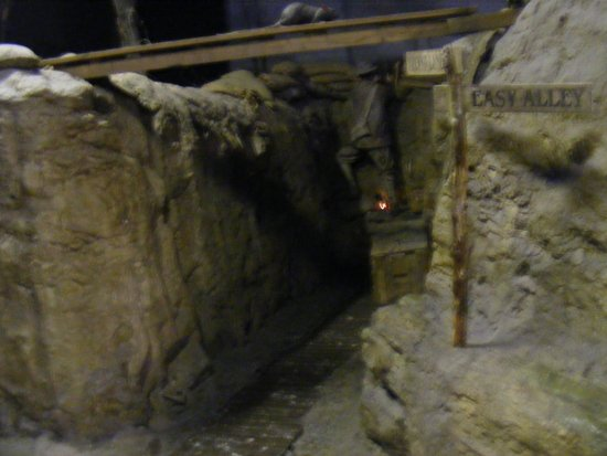 The Tank Museum : trench mock up