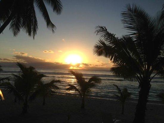 First Sunset In Rarotonga Picture Of Sunset Resort Avarua