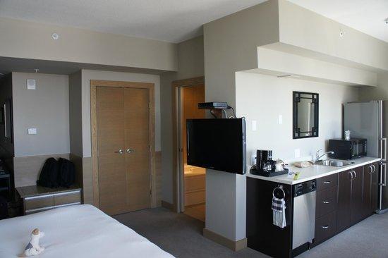 The Sidney Pier Hotel & Spa : Junior suite kitchen area