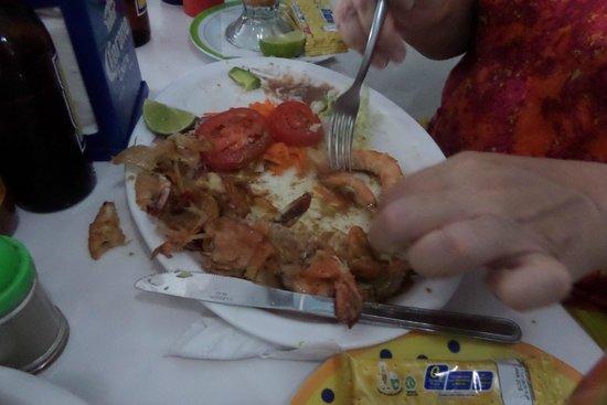El Pirata: The last Garlic Shrimp - Camarones al ajo a punto de terminarse