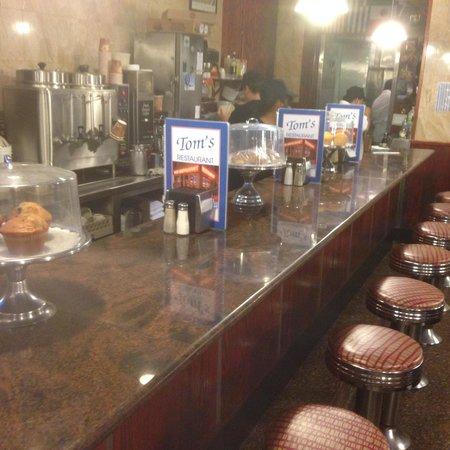 Tom's Restaurant : the counter