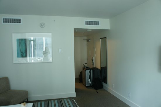 Coast Coal Harbour Hotel by APA: leaving the room!!!