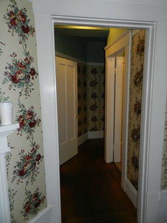 White Swan Inn : hallway