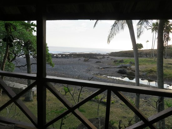 Tanna Lodge: The view from our terrace over