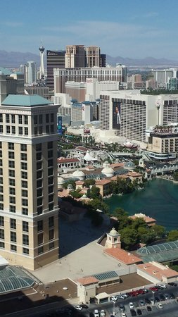 Vdara Hotel & Spa: Day time view from room