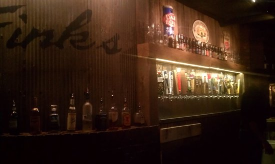 Fink's Craft Bar & Grill: Craft beer wall