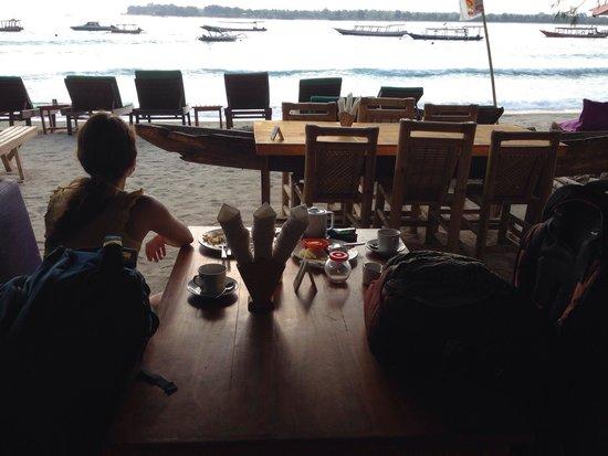 Balenta Bungalows: Breakfast area
