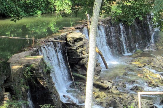 Amis Mill Eatery: view of waterfall