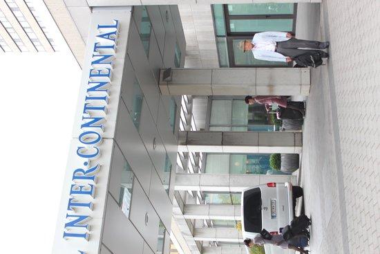 Hotel InterContinental Frankfurt: 玄関口