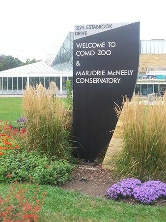 Como Park Zoo & Conservatory: sign