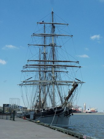 The Strand : The Tall Ship Elissa