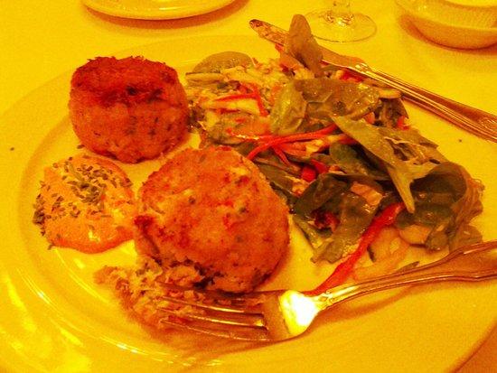 Sardi's Restaurant : Jumbo Lump Crab Cakes