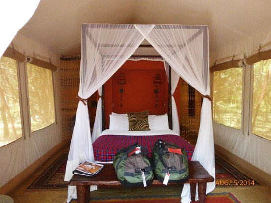 Fairmont Mara Safari Club : the bed