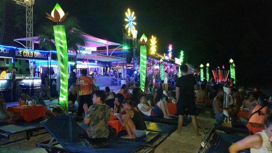 Ark Bar Beach Resort: Ark Bar Nightlife.. THE BEST!!