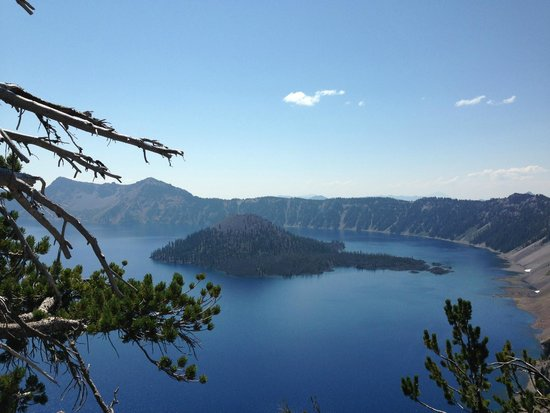 Crater Lake National Park: Wizard Island at Crater Lake