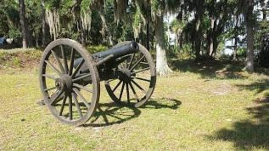 Fort McAllister State Park : cannon