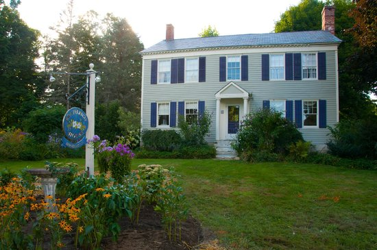 Staveleigh House: New England Charm