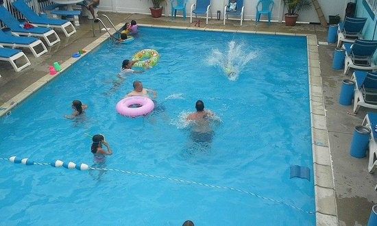 Surf Haven Motel: family fun