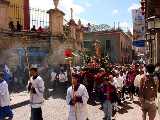 Basilica of Our Lady of Guanajuato: La procesión