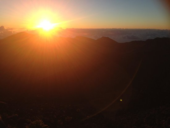 Maui Mountain Cruisers: Unreal sunrise