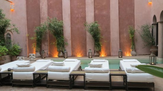 Riad Noir d'Ivoire: The pool