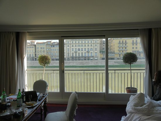 Hotel Lungarno: view from the bedroom