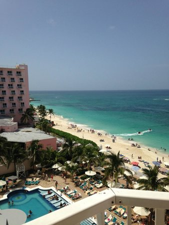Hotel Riu Palace Paradise Island: View from Room