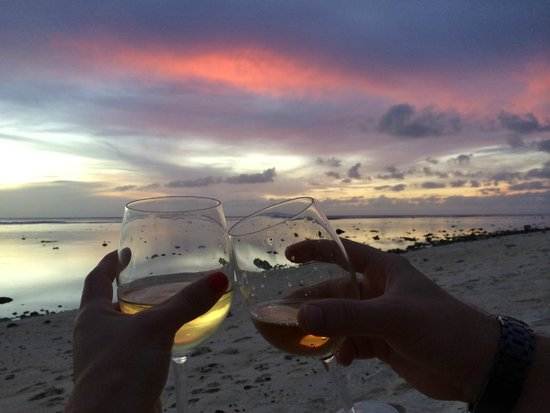 Magic Reef Bungalows: Cheers to relaxation!
