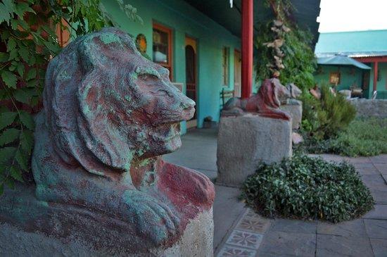 Fire Water Lodge: Garden Lion sculptures