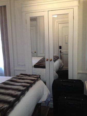 The Marlton Hotel: Quarto