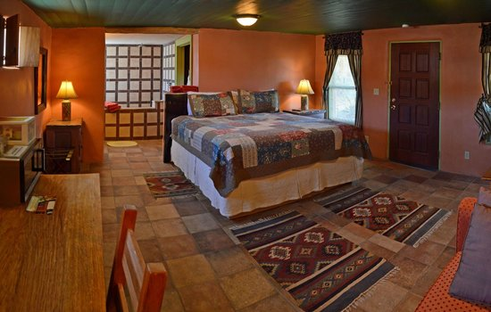 Fire Water Lodge: Datura room: All rooms have coffee and coffee pots