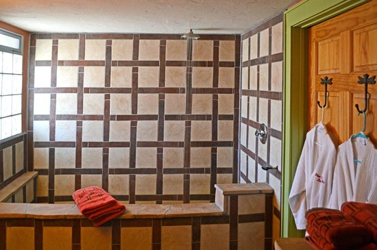 Fire Water Lodge: Datura room: All rooms have inroom hot springs mineral tubs large enough fir two.