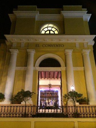 Hotel El Convento: The Front of the Hotel Entrance
