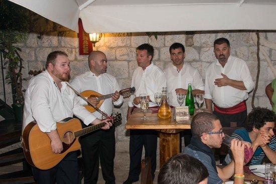 Hotel Tragos : Klapa performance in the restaurant on Thursdays