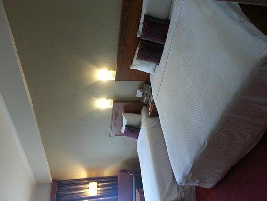 Hotel Grand Continental Kuching: Family room