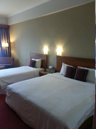 Hotel Grand Continental Kuching: Family room