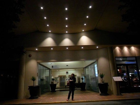 Central Cosmo Apartments: FRENTE DO HOTEL