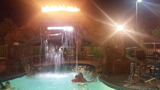 Holiday Inn Express Hotel & Suites Moab : Pool at night!