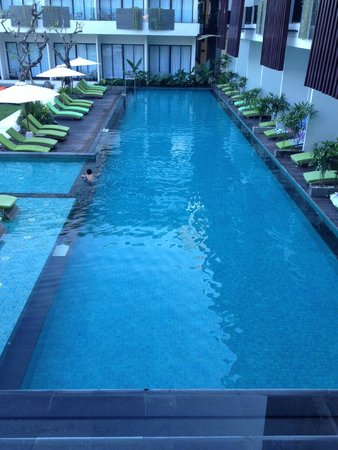 Four Points by Sheraton Bali, Seminyak: Pool area