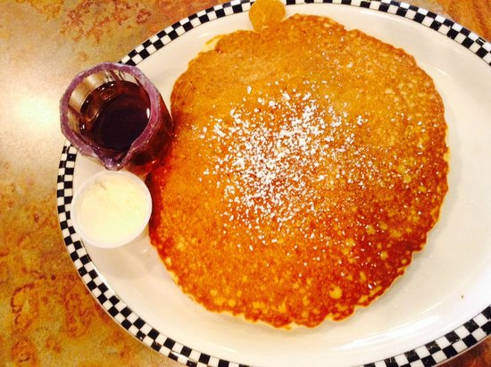 Signal Hill, Kalifornien: sweet cream pancake - huge