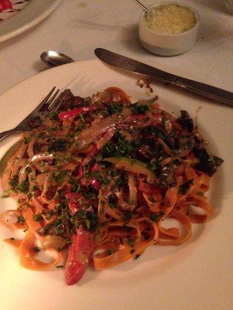 El Albergue Restaurant: Homemade pasta with veggies and cream sauce.