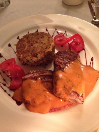 El Albergue Restaurant: Wonderful beef and potatoes