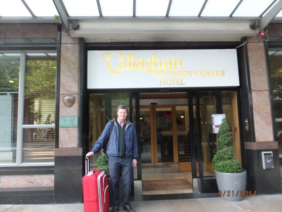 O'Callaghan Stephen's Green Hotel: Entrance to hotel