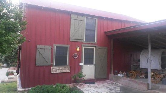 Chuckwagon Inn Bed & Breakfast: Outside of Larry Bill's Cabin