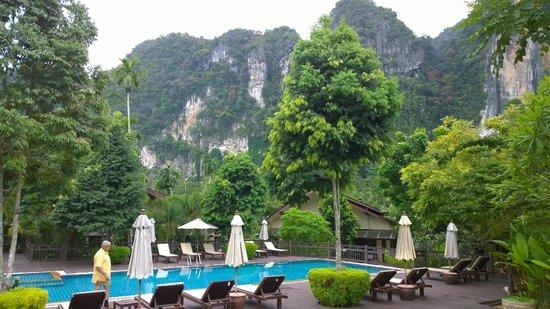Aonang Phu Petra Resort, Krabi: Pool