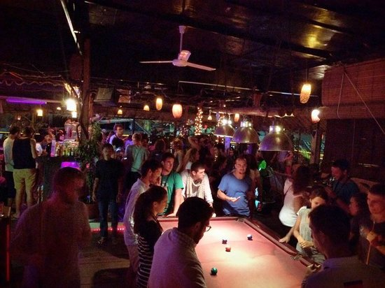 11 Happy Backpackers: Funky rooftop bar and restaurant